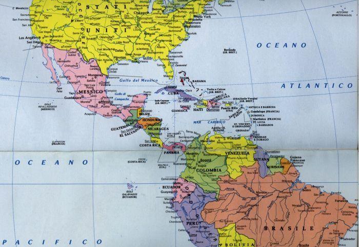 7-Cartina centroAmerica politica a colori